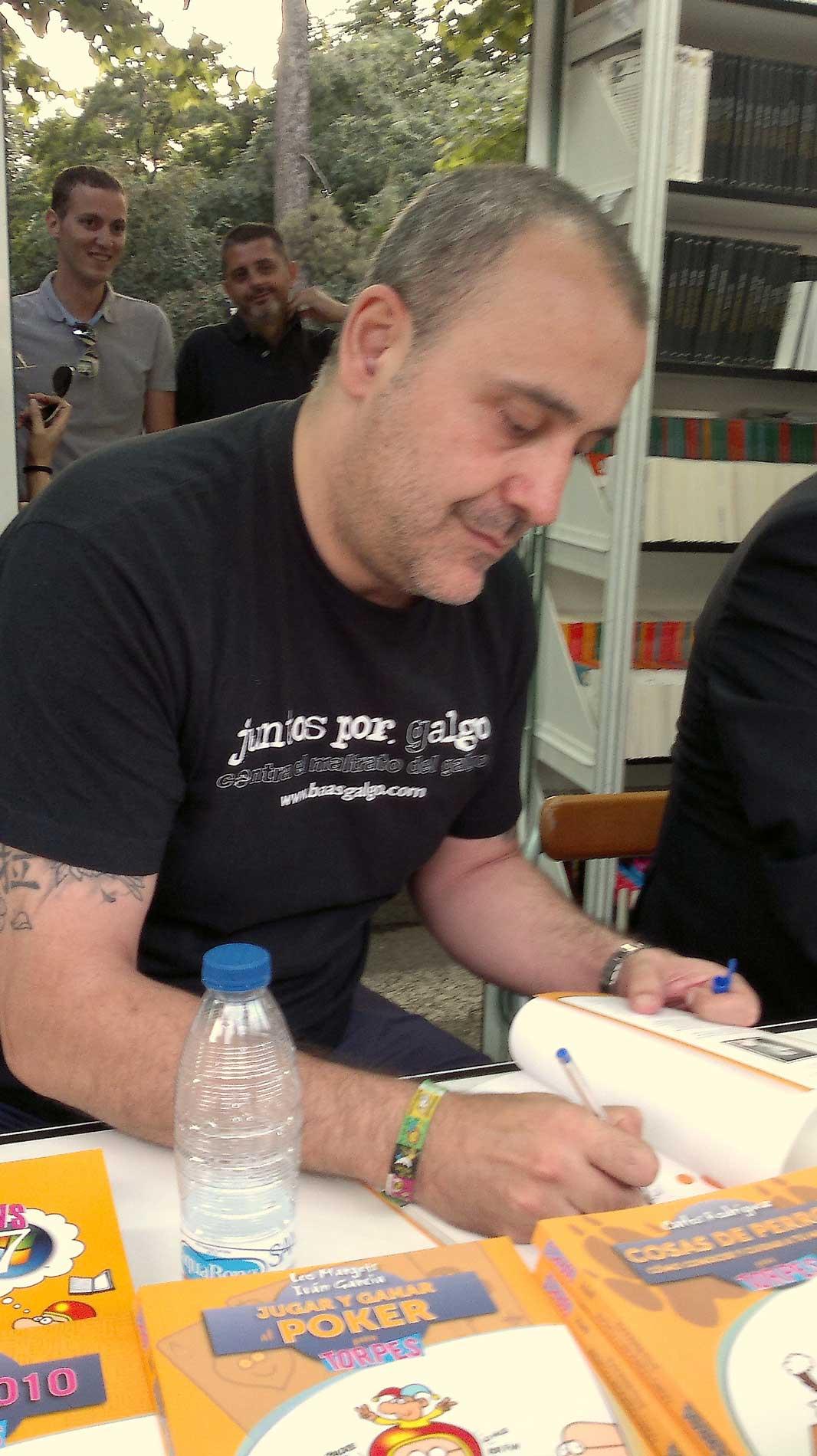 Medios. Firma en Feria del Libro